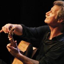 Alex de Grassi Plays Petroglyphe on August 16